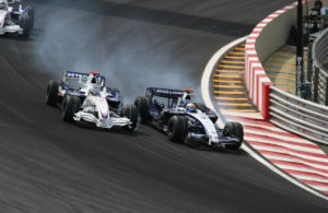 Nico_Rosberg_overtaking_Heidfeld_2007_Brazil