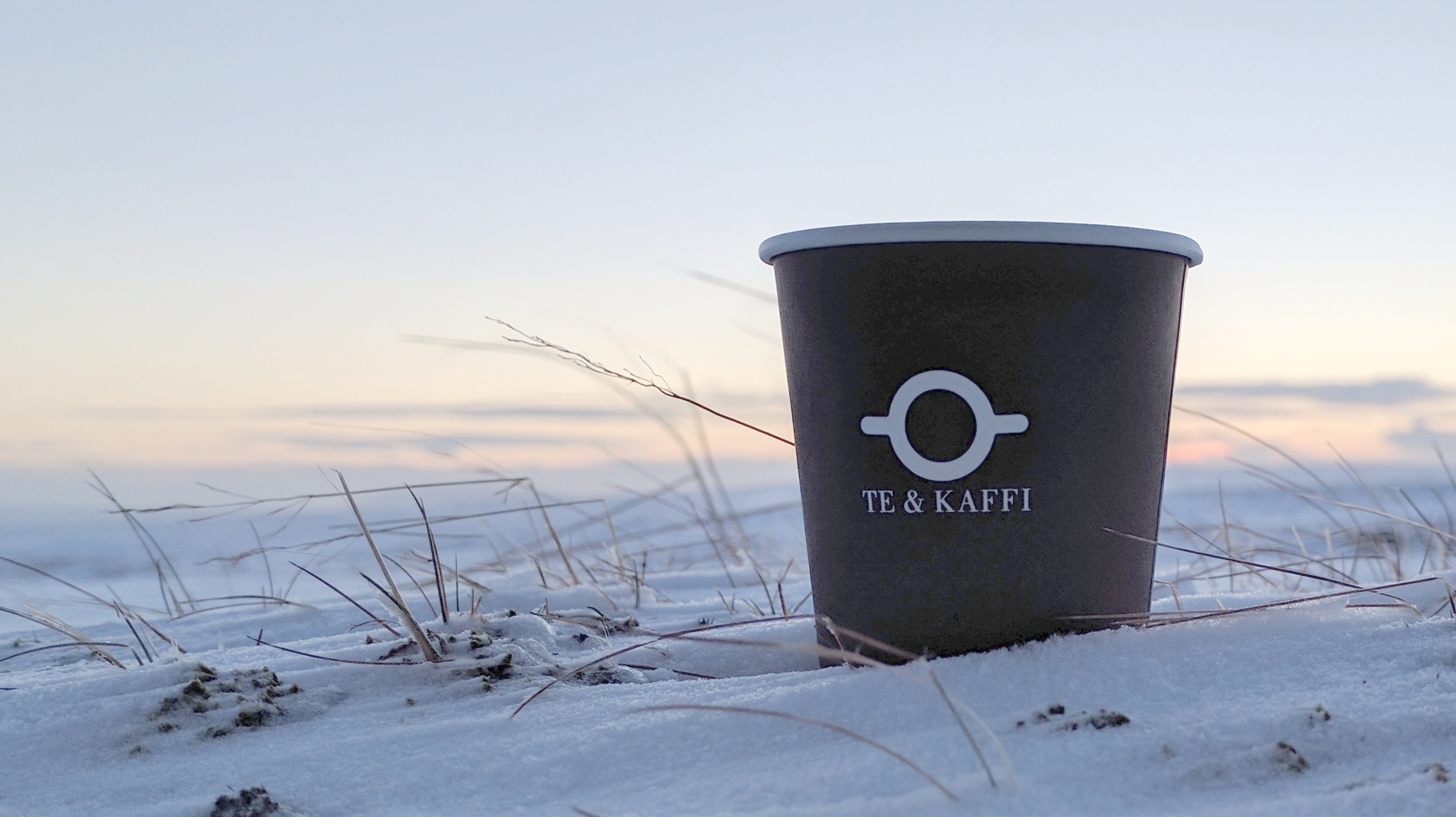 Te & Kaffi Cup in Snow
