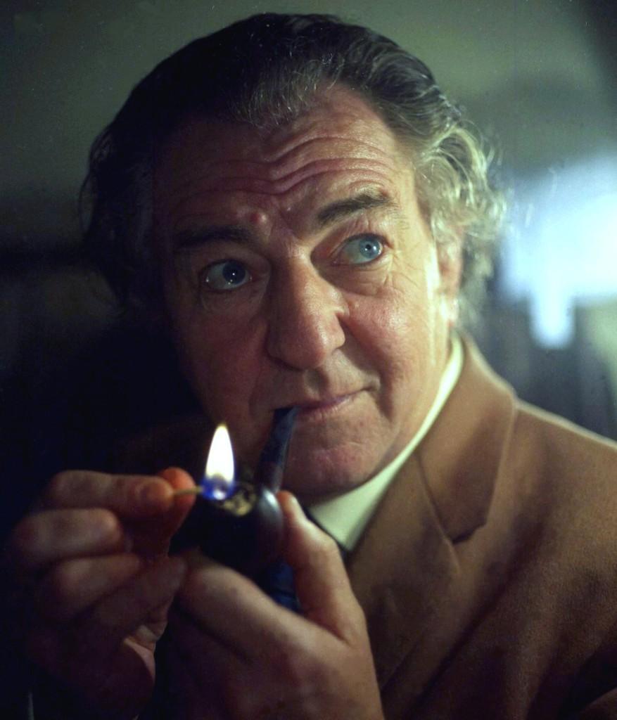 Gentlemen Smoking Pipe